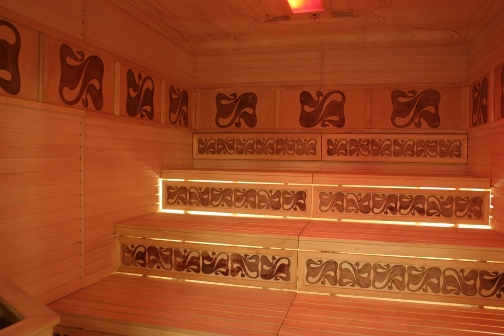 Light/ chromo therapy sauna