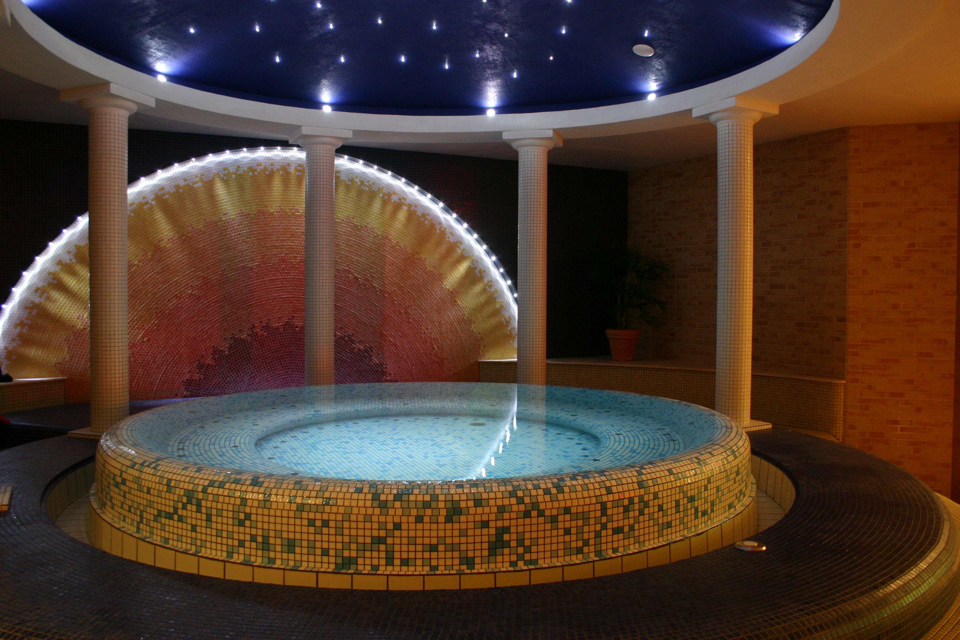 bains remous mato sauna. Black Bedroom Furniture Sets. Home Design Ideas